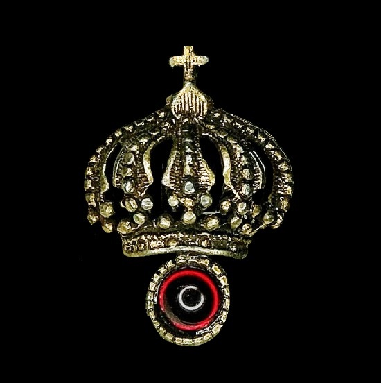 Crown brooch pin. Gold tone, faux ruby