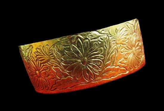 Daisy flower design etched cuff bracelet
