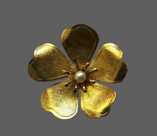 Dogwood flower brooch pin. 12K gold filled, faux pearl