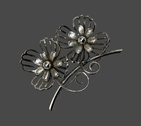 Double flower sterling silver brooch