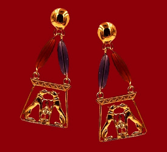 Egyptian Revival Panther Earring. Gold tone, art glass