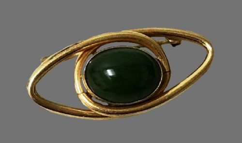 Eye shaped nephrite stone 12 K gold filled pin