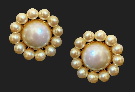 Floral design faux pearl gold tone clip on earrings. 1980s