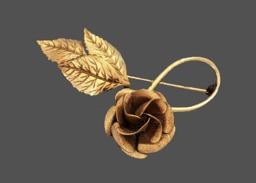 Floral design pin. 12 K gold filled textured base