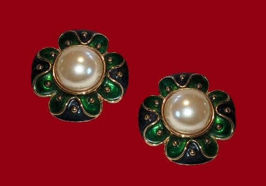 Flower gold tone green enamel pearl clip on earrings