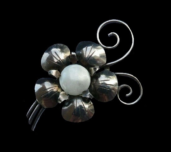Flower sterling silver brooch pin
