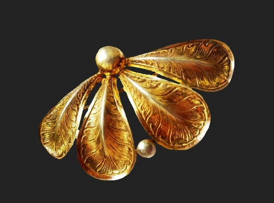 Four petal brooch. Sterling silver, gold plated. 5.5 cm. Before 1950