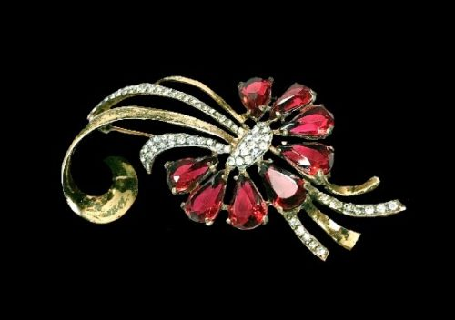 Gold plated pave rhinestones red glass brooch pin. 1930s