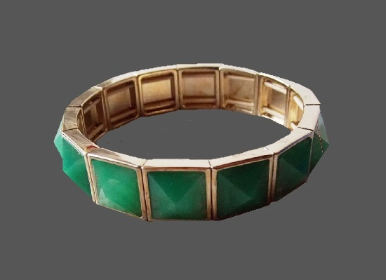 Green art glass gold tone metal alloy bracelet. 1990s