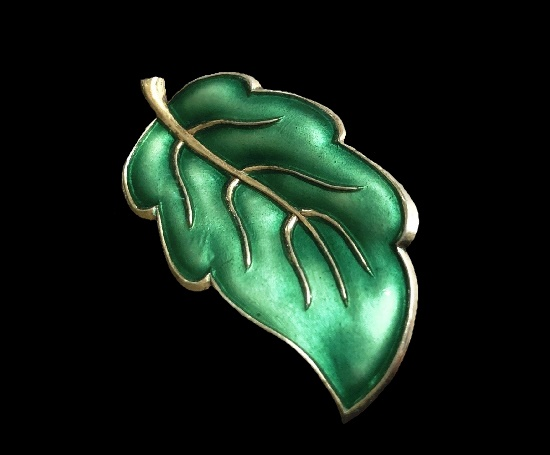 Green leaf pin. Sterling silver, enamel. 4 cm