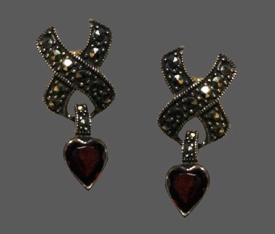 Heart dangle earrings. 925 sterling silver, marcasite, garnet