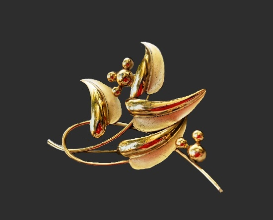 Leaves brooch. 925 Sterling silver, gold plated. 6.5 cm. 1940s