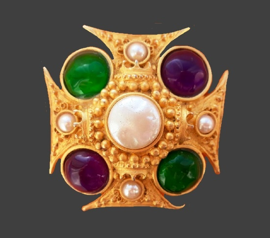 Maltese cross brooch. Gold tone alloy, faux pearls, art glass. 6 cm. 1980s