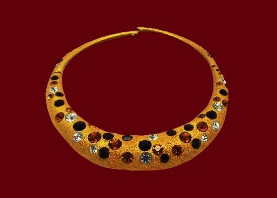 Matte gold tone rhinestones necklace. 1980s