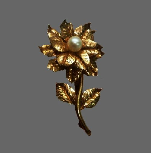 Pearl flower 12 K gold filled brooch