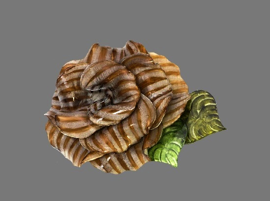 Striped rose flower brooch of brown green tone