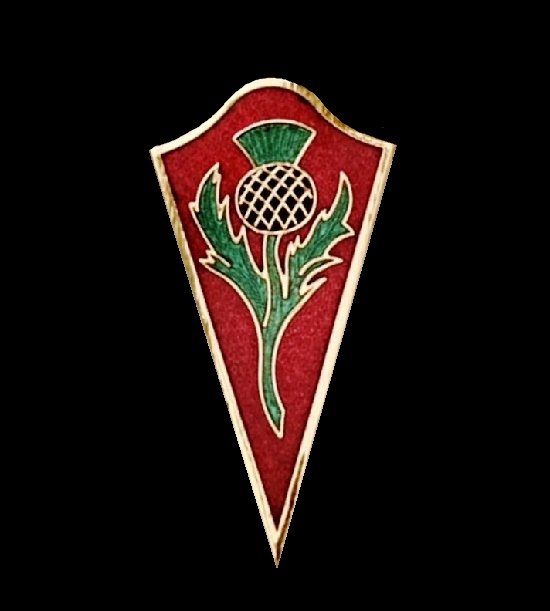 Thistle cone shaped brooch. Gold plated, enamel. 5.5 cm. 1980s