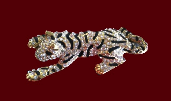 Tiger brooch. Gold tone metal alloy, pave rhinestones. 1980s