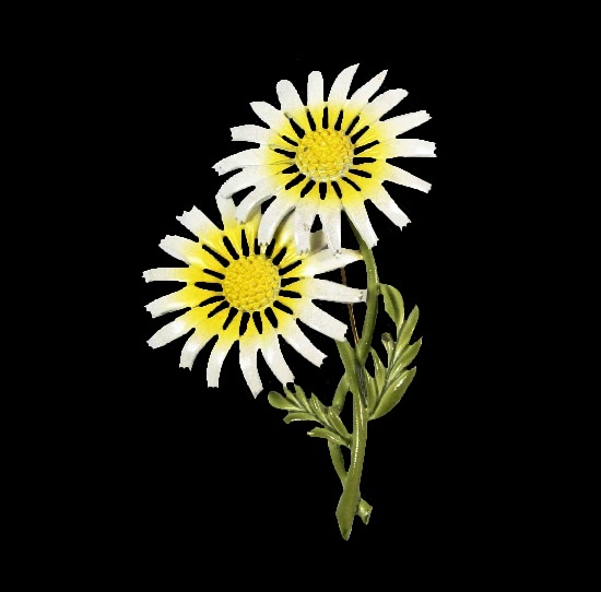 White daisy enameled brooch