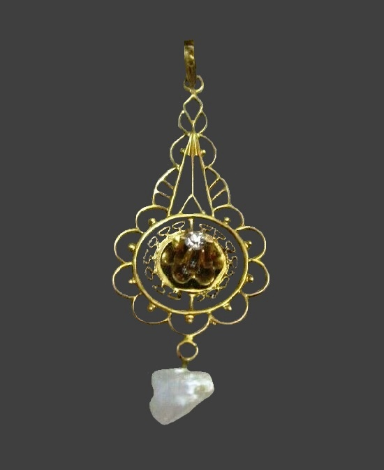 18 K gold plated filigree design pendant
