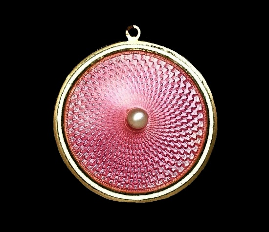 9 K gold plated pink guilloche locket pendant
