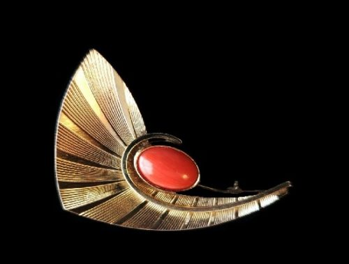 Art Deco textured gold coral brooch
