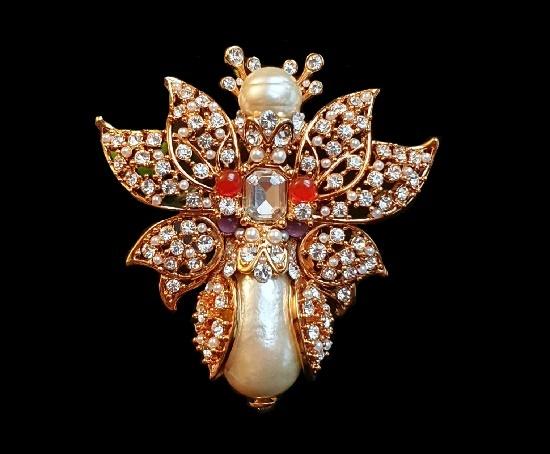 Butterfly brooch. Gold plated metal alloy, fau pearls, rhinestones, art glass. 8 cm. 1990s
