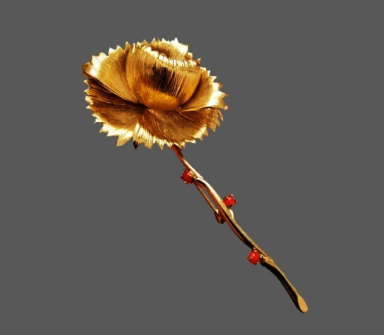 Carnation flower gold tone brooch. 8 cm. 1960s