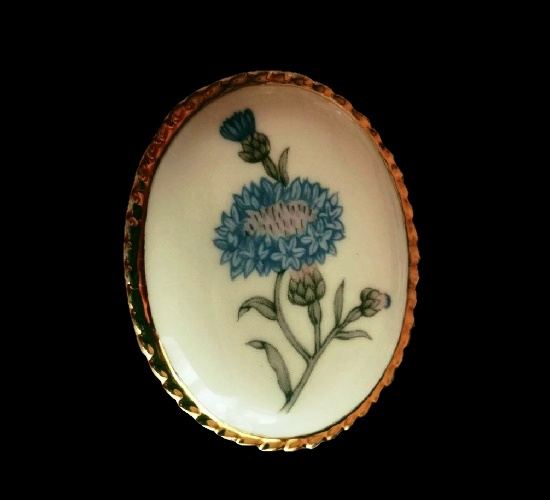 Cornflower brooch. Porcelain, gold tone alloy. 5 cm. 1970s