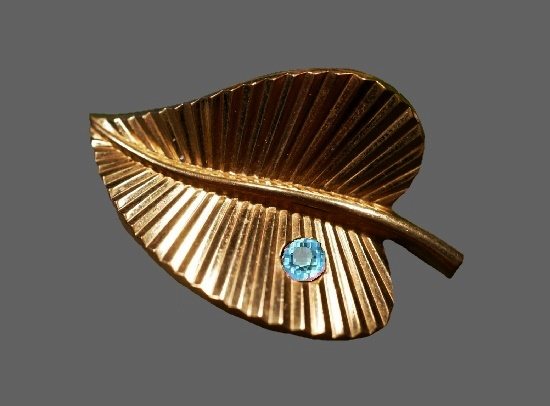 Dewdrop on a leaf brooch. Textured sterling silver, gold plated, crystal. 1940s. Rodi Wienenberger vintage costume jewelry