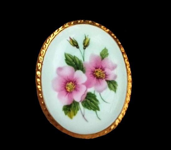 Dogflower vintage porcelain brooch. 5 cm. 1960s