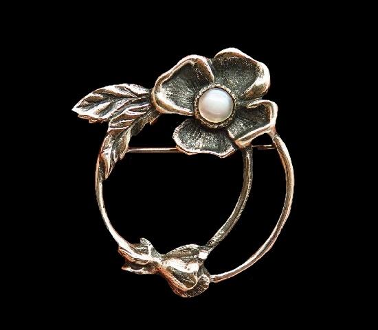 Dogwood flower brooch. 925 sterling silver, moonstone