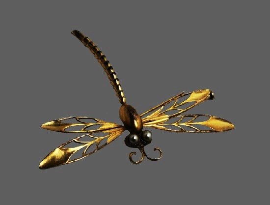 Dragonfly rolled gold pearl brooch. 5.8 cm. Circa 1910s