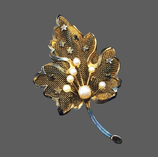 Filigree mesh leaf with stars sterling silver pin brooch
