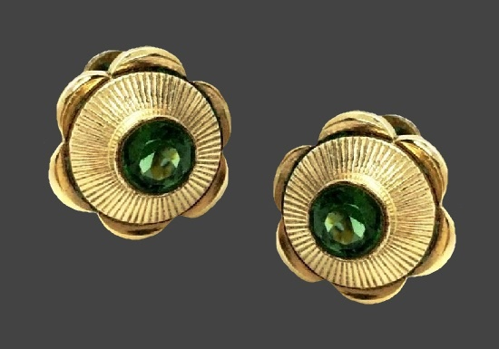Floral design screw back earrings. Textured gold, faux peridot