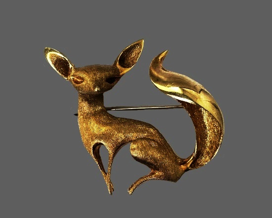 Fox 14 gold plated brooch
