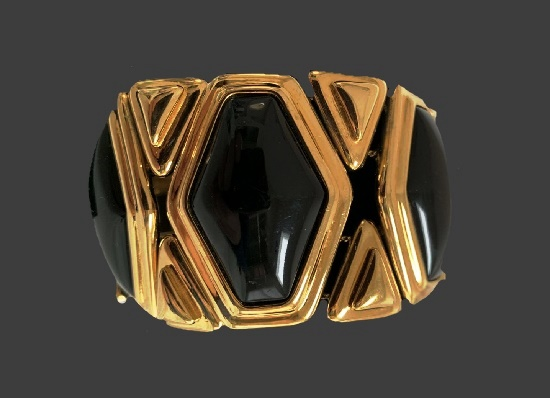 Geometric design bracelet. Gold tone metal alloy, black onyx tone art glass