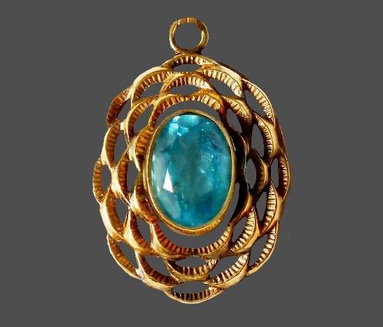 Glass cabochon gold pendant