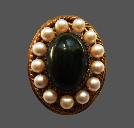 Green glass cabochon faux pearls 12 K gold filled brooch