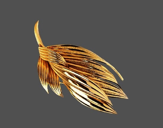 Leaf spray gold plated brooch. 6 cm. 1964