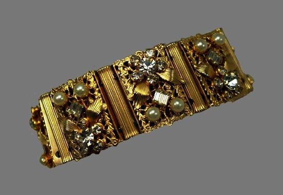 Mid century gold tone lucite rhinestones bracelet
