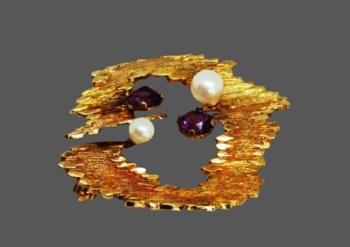 Modernist design brooch. Rolled gold textured base, faux pearls, faux amethyst. 1960s