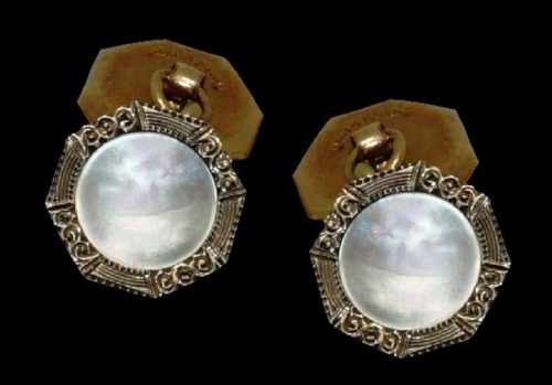 Octagon shaped cufflinks. 14k yellow gold, mother of pearl