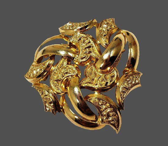 Paisley design gold plated brooch. 1971