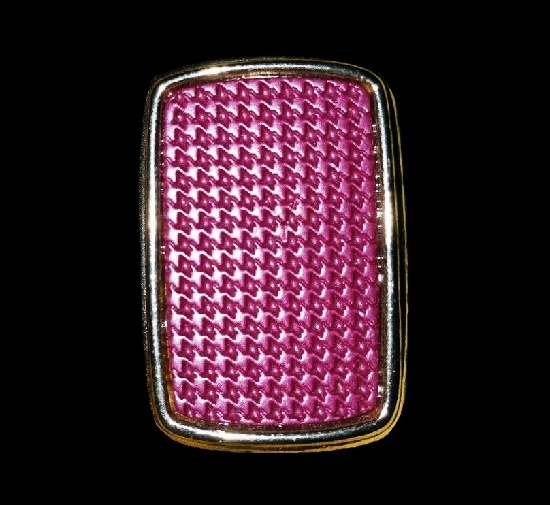 Pink bakelite houndstooth pattern gold plated rectangular shaped antique pendant