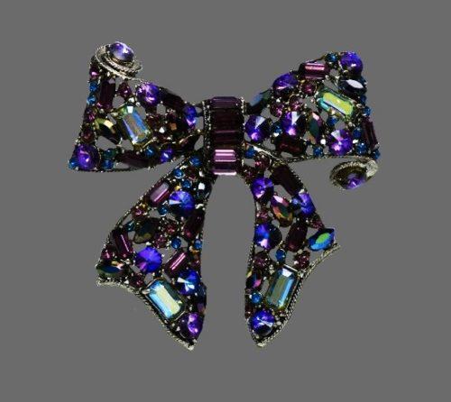Purple crystal bow brooch