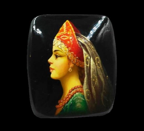 Russian folk girl. Wood. 4 cm. 1970s