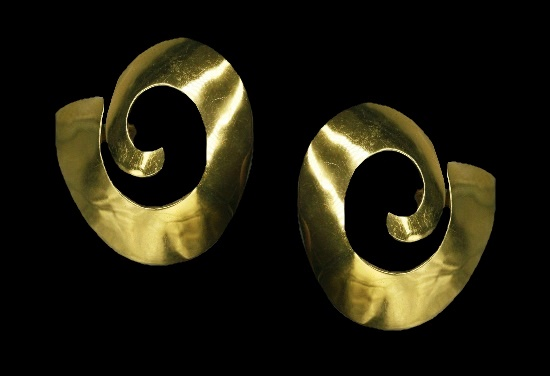 Swirl gold plated clip on earrings. 1989