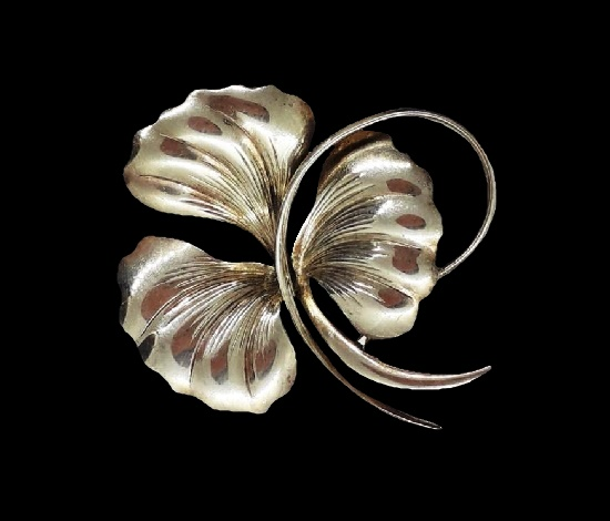 Three-leaf clover brooch pendant. Sterling silver. 3.5 cm. 1970s
