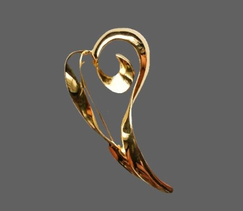 14 K gold plated plant brooch. 6 cm. 1960s